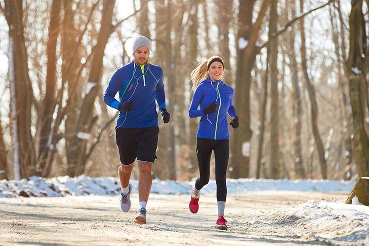 Correre fa bene anche in inverno Ma con l'abbigliamento adatto