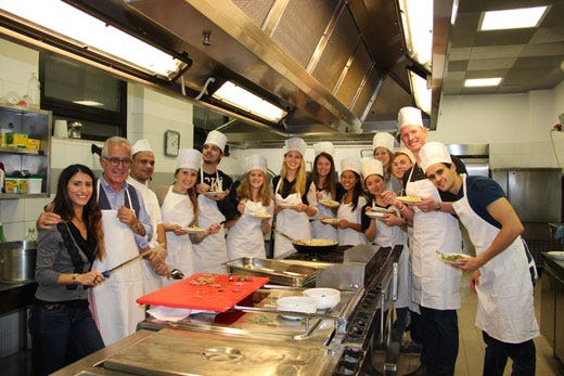 L italiano si impara in cucina con i corsi dell universit cattolica italia a tavola - Corso cucina italiana ...