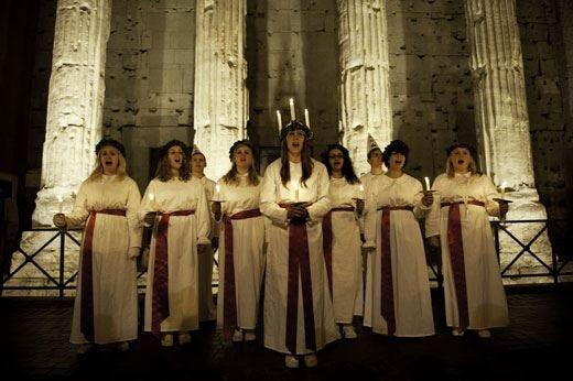 A Roma e Milano musica e cortei per festeggiare la Santa Lucia svedese