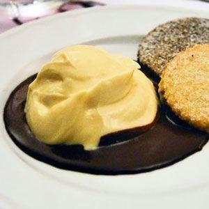 Cremino di cioccolato bianco con cioccolato di Modica fuso e biscottini di Prosto