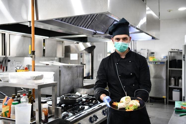Emergenza Covid, la mascherina porta in cucina la stampa 3D