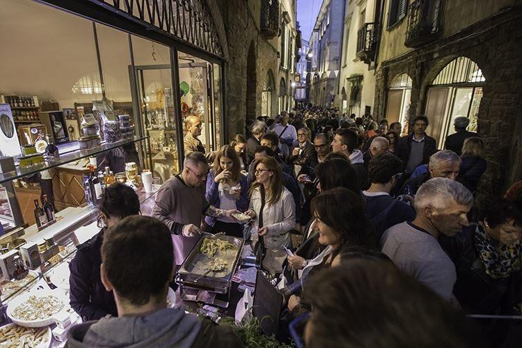 Bergamo, il Casoncello e il turismo La città si unisce nel segno del cibo