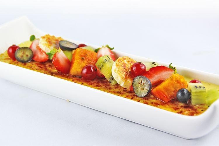 Catalana gratinata con frutta