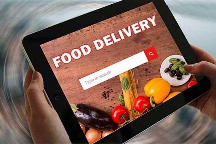 Delivery, cena a casa e famiglia: la ricetta ideale in questo periodo