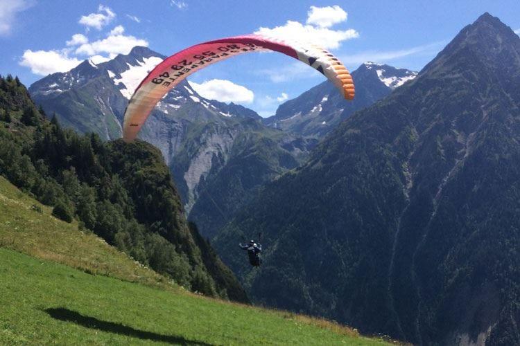 Vacanze sicure a Les Deux Alpes Sport e cucina a 2 passi dall'Italia