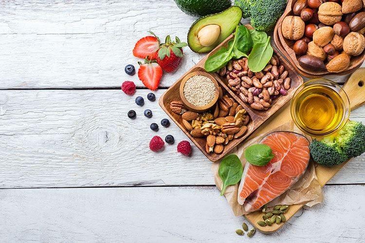La dieta perfetta anti colesterolo: i sì e i no dei cardiologi