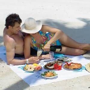 Vacanze, 6 italiani su 10 cambiano mete E a tavola vince il fai-da-te