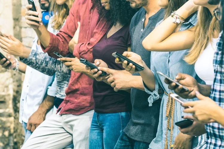 Dipendenza da smartphone Ansia e depressione tra le conseguenze