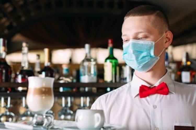 Distanza, mascherine, prenotazione Così i ristoranti riaprono a maggio?