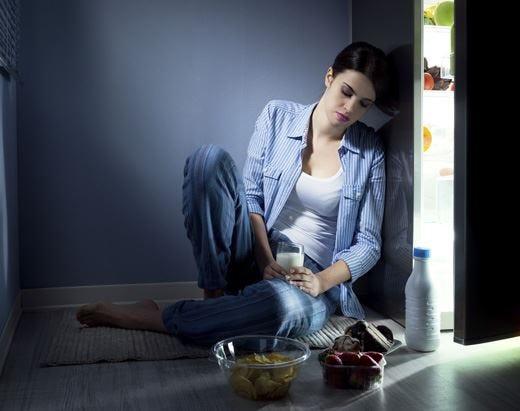 Dormire poco aumenta l'appetito Meglio affidarsi a uno specialista