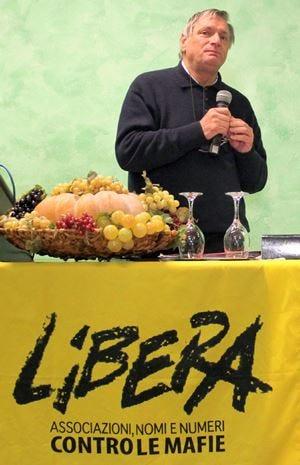 "A ""Libera Terra"" di Don Ciottiil Premio Francesco Arrigoni"