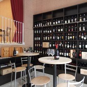 A Milano il vino va in salotto L'eccentrica enoteca