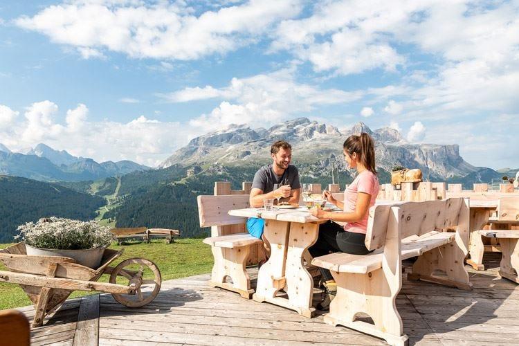 Estate di gusto in Alta Badia tra degustazioni e corsi di cucina