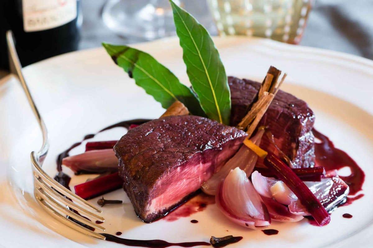 un filetto di Silvia Baracchi del Falconiere La stella del Falconiere illumina il wine resort di Cortona