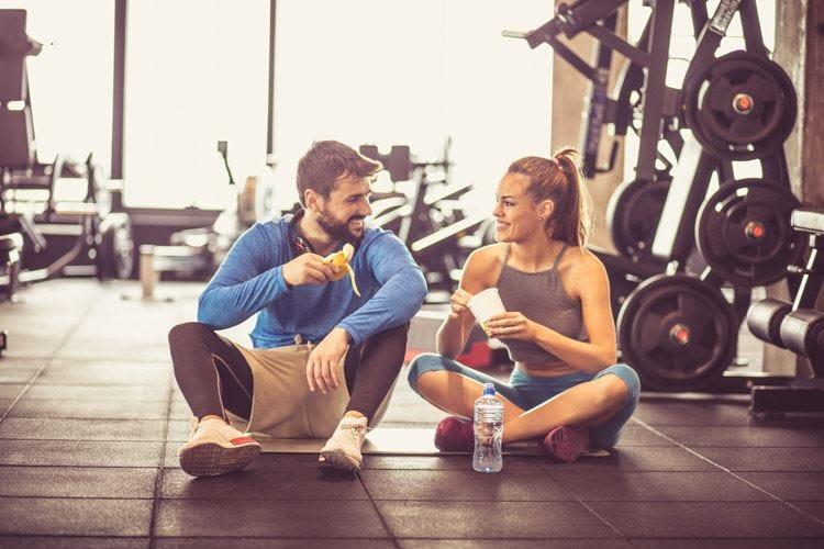 Fare sport a stomaco vuoto Può aiutare a perdere peso