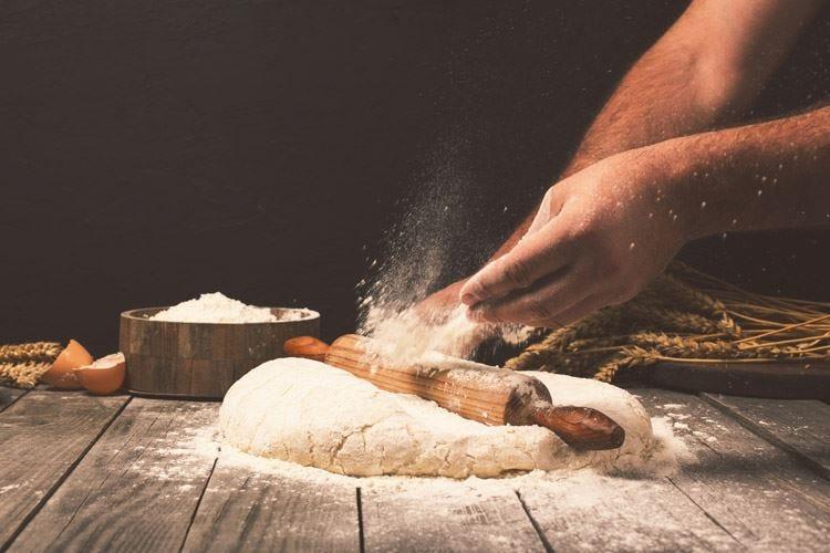 Farine, cresce l'export: +10% Ma in Italia si mangia meno pane