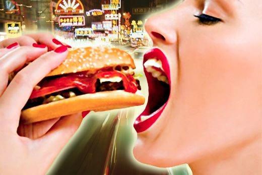 Il fast food ci rende impazienti Colpa dell'effetto subliminale
