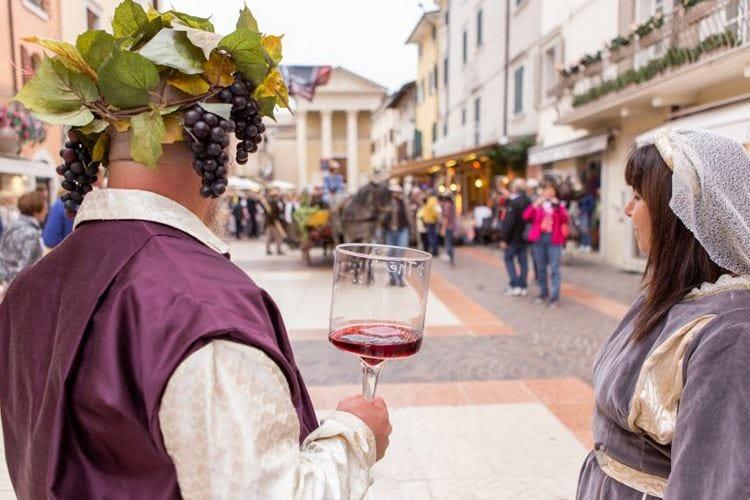 La festa dell'uva e del vino fa ritorno in quel di Bardolino