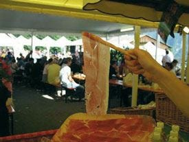 Estate all'insegna di prosciutto Sauris e formaggio salato in Friuli