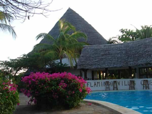 Kenya: Turisti italiani sfuggono all'incendio di 3 hotel.