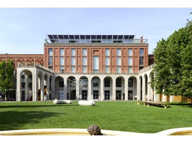 Le focacce di Cristian Marasco  nel giardino della Triennale a Milano