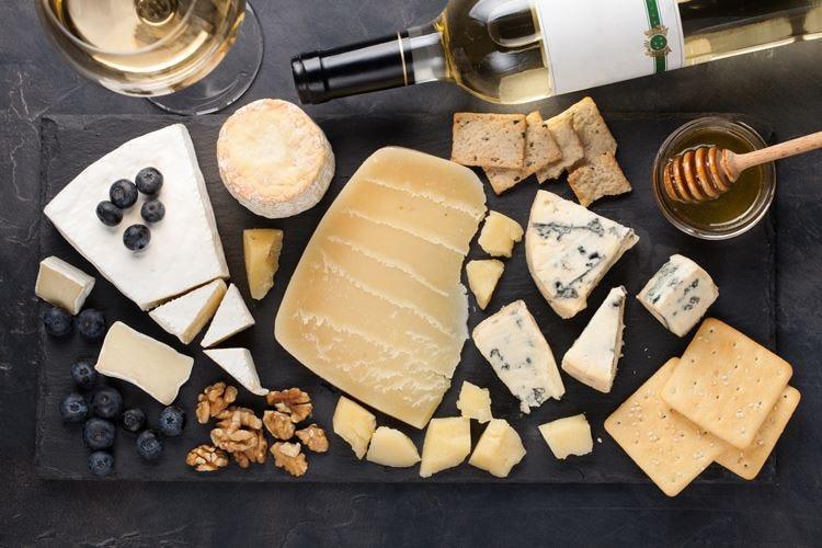 I formaggi valgono 16 miliardi Il mercato tiene grazie alle Dop