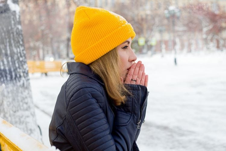 Il freddo secca la pelle Sconsigliate docce troppo calde