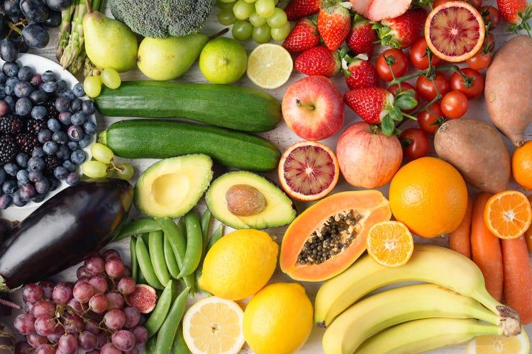 Mangiare frutta fa bene ma attenzione agli zuccheri