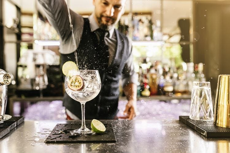 Torna a Milano il Gin Day per una sfida con il Martini Cocktail