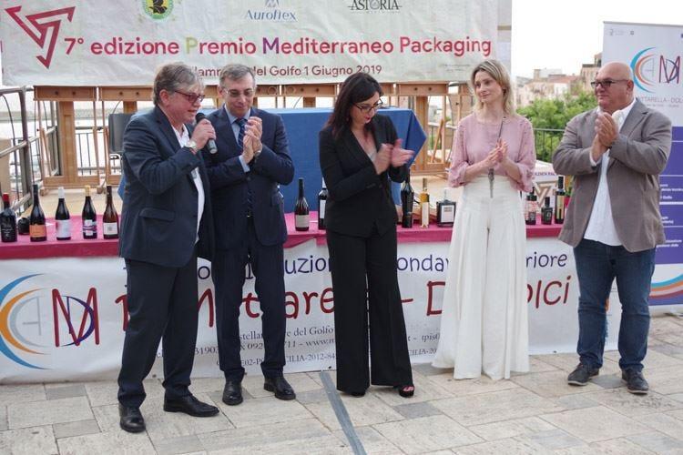 """Golden Pack ha premiato i """"vestiti"""" di oli, vini e spirits"""