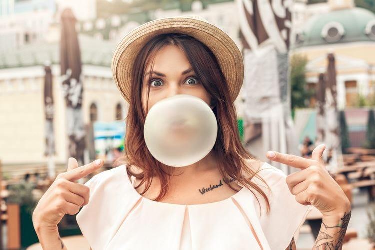 Il chewing gum compie 150 anni ed entra nella guerra dei dazi