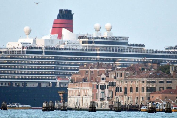 Franceschini a Venezia «Mai più grandi navi in laguna»
