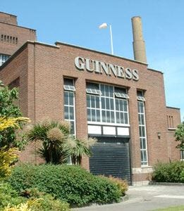 È festa nel mondo della birra La Guinness spegne 250 candeline