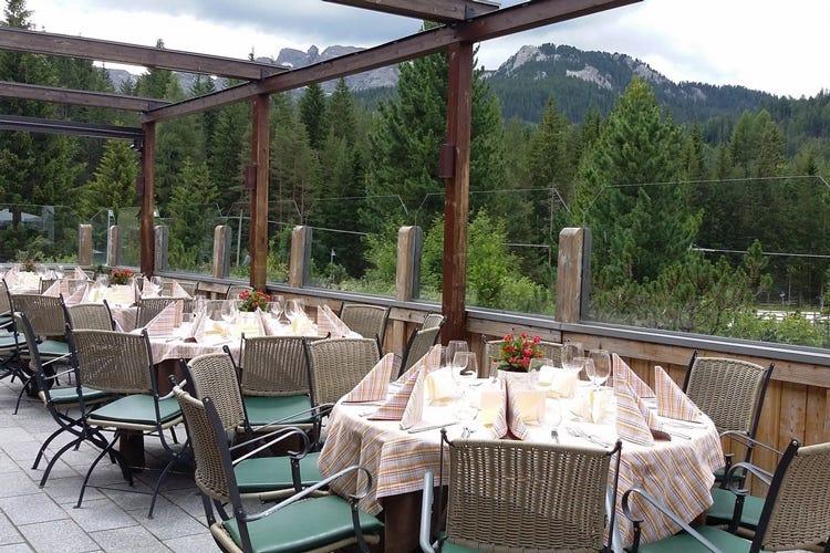 Eccellenze in tavola all hotel ciasa salares pranzo e cena con prodotti da tutta italia italia - Erbusco in tavola 2017 ...