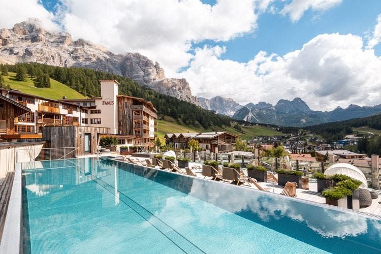 Alpinismo, mountain bike e relax 