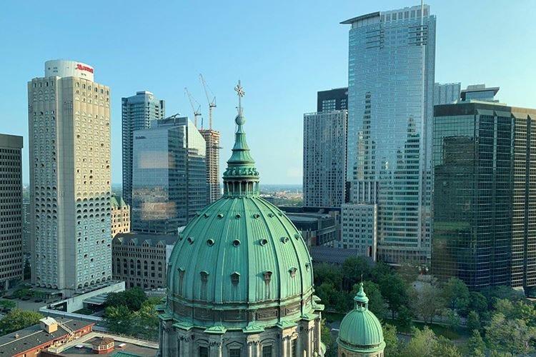 Nel cuore di Montréal nell'hotel sopra la ferrovia