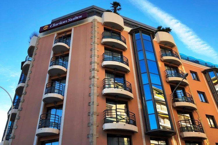 Camere, suite e mini appartamenti al Clarion: un'oasi a 2 passi dalla Croisette