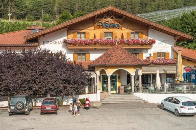 All'Hotel Ristorante Putzerhof vini e piatti tipici altoatesini