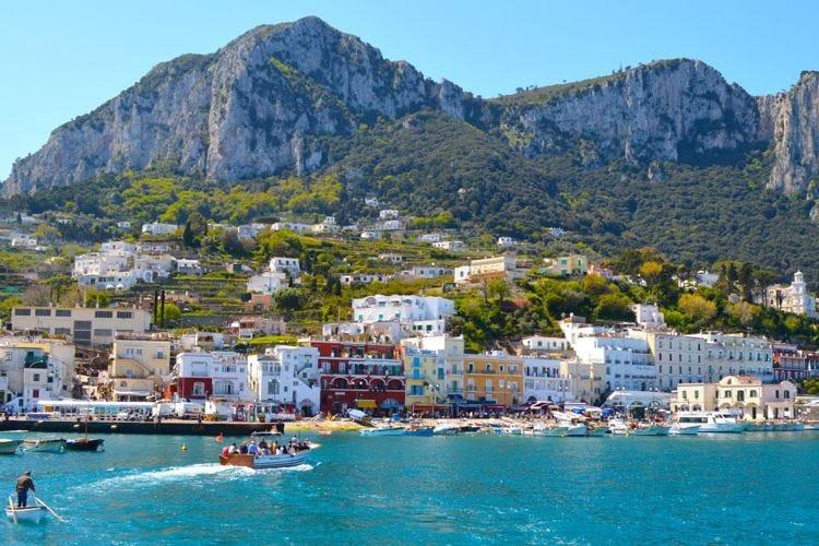 Hotel 5 stelle, una camera a Capri vale fino a un milione di euro