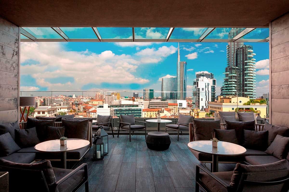 Visuale di Milano dalla terrazza de Il Duca Fashion Week a Milano, ecco dove dormire e mangiare per incontrare stilisti e vip