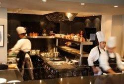 Il Marchesino apre le cucine In un corso  i segreti del Maestro