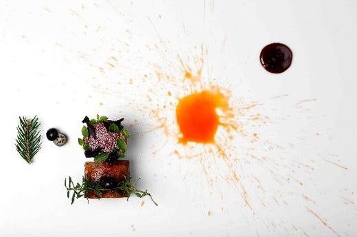 Enrico croatti nelle cucine di villa lario per una cena dall 39 impronta easy chic italia a tavola - Osteria con cucina francesco angelini ...