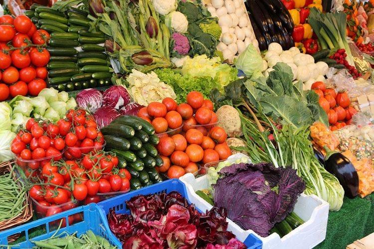 L'inflazione appesantisce il carrello Per la verdura, prezzi su del 9,4%