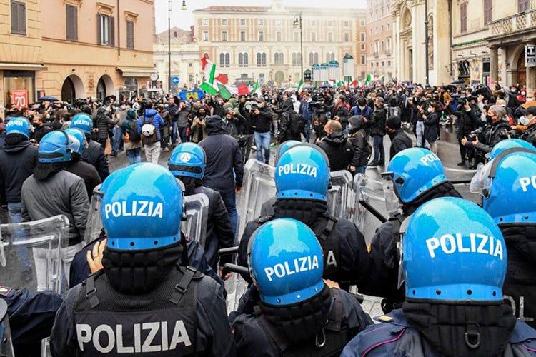 Ioapro, ancora proteste a Roma: «Siamo famiglie non partite Iva»