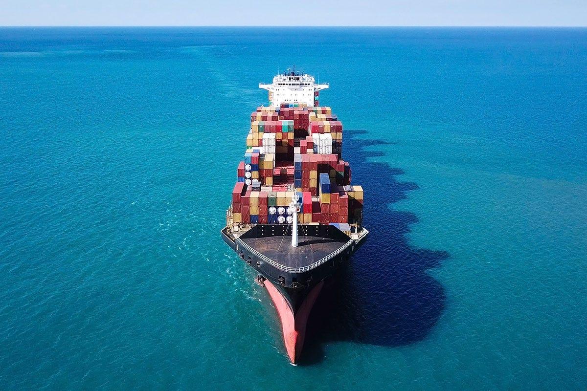 Su base annuale, l'export a marzo cresce del +23% L'export italiano vola dalla Cina agli Usa. Alle spalle il fantasma dei dazi