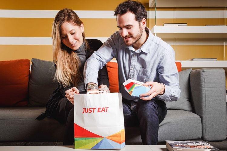 In Italia è boom di cibo a domicilio Il settore vale 3,2 miliardi di euro
