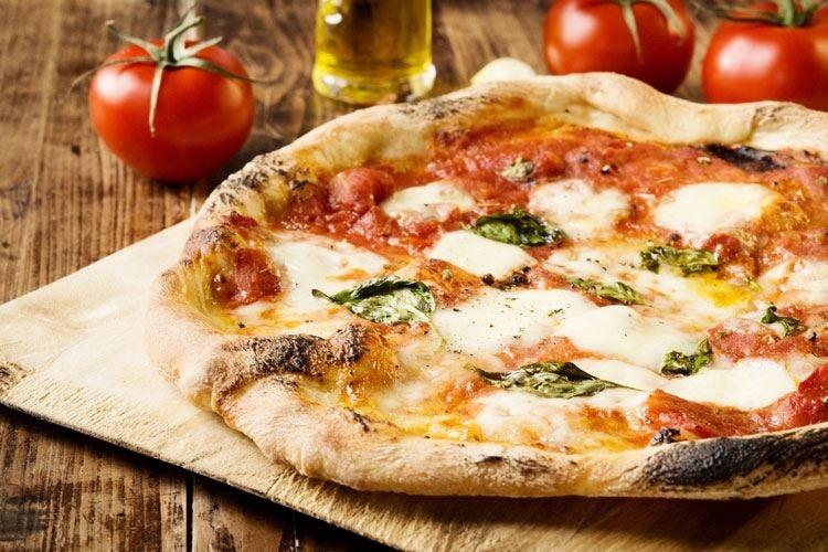 L'Italia ha sempre più fame di pizza Nel 2019 i locali crescono dell'1,1%