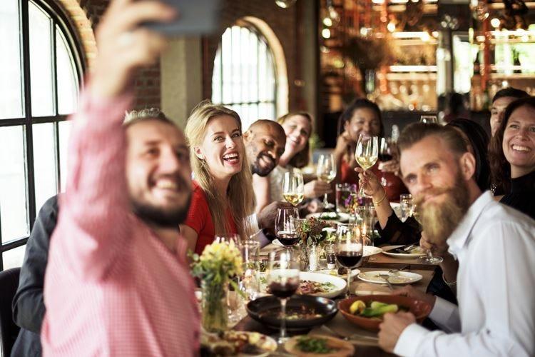 Agli italiani piace mangiare fuori casa Nel 2016 spesi 78 miliardi di euro