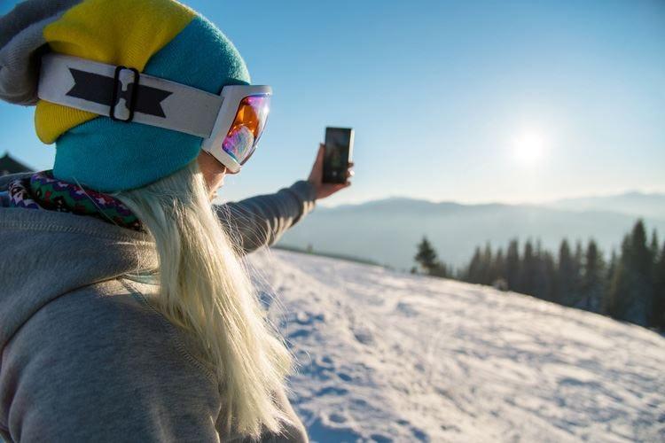 Instagram invaso da foto sugli sci Cortina è la località più social