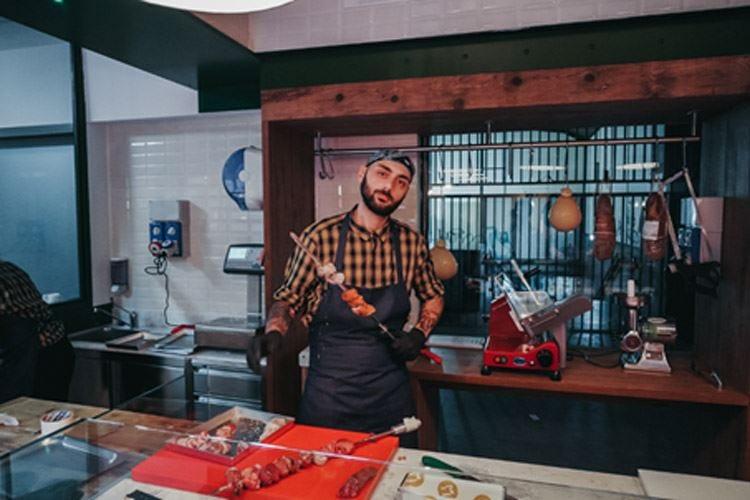 """Macelleria con cucina Apre a Milano """"Il Mannarino"""""""